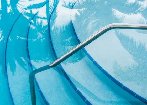 pool close up