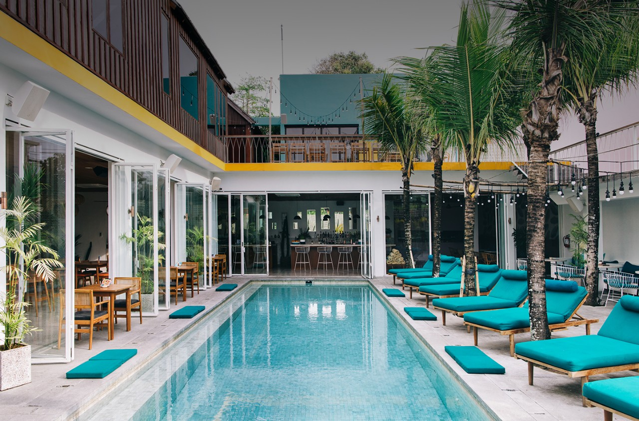 commercial-hero-blue-outdoor-day-pool-hotel-horizontal-1440x950-image-file