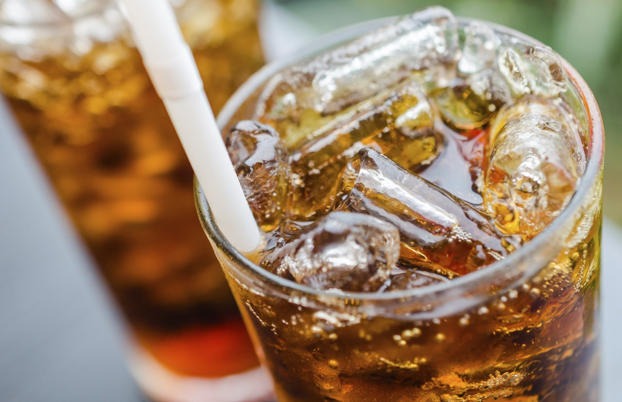 ice-cold-cola-beverage-in-glass-with-straw-food-service-horizontal-4665x3017-image-file